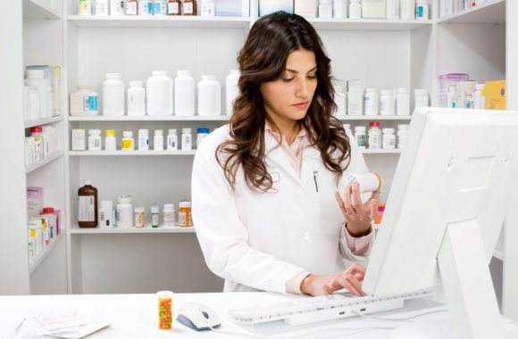 Pharmacy Technician: A Health Care Career with a Bright Future